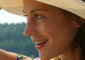 Ulrike C. Tscharre in der Rolle der Anna Limpert