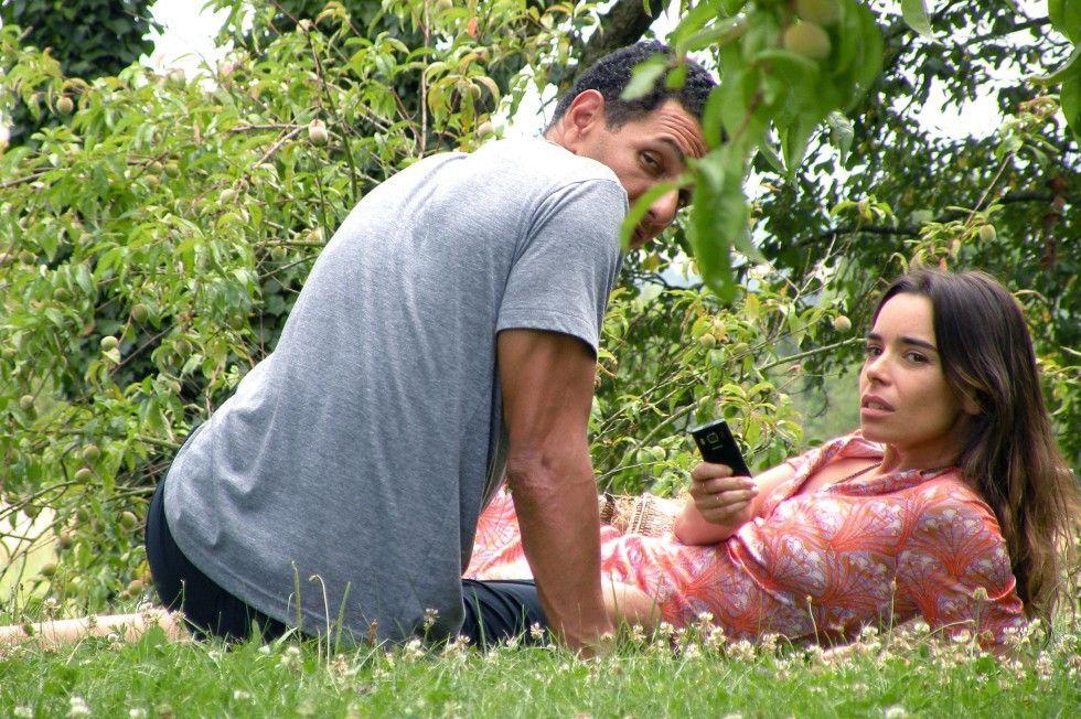 Zwischen Franck (Roschdy Zem) und Teri (Élodie Bouchez) bahnt sich etwas an