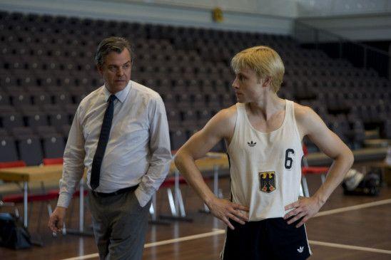 Der Spieler und sein Trainer: Danny Huston (l.) und Max Riemelt