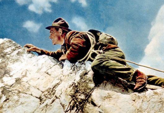 Giovanni (Luis Trenker) flüchtet in die Dolomiten