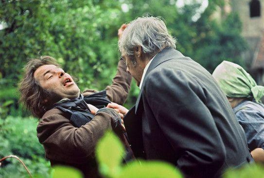 Ich bins, Kaspar Hauser! Bruno S. (l.) in der Rolle des Findelkinds