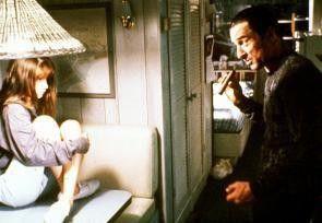 Max (Robert de Niro) versucht, sich das Vertrauen von  Danielle (Juliette Lewis) zu erschleichen