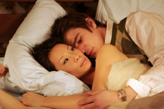 Ein wenig Ruhe zu zweit: Slevin (Josh Hartnett) und die schöne Lyndsey (Lucy Liu)