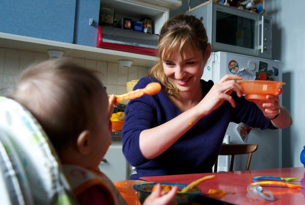 Endlich fröhlich: Louise Bourgoin als junge Mutter