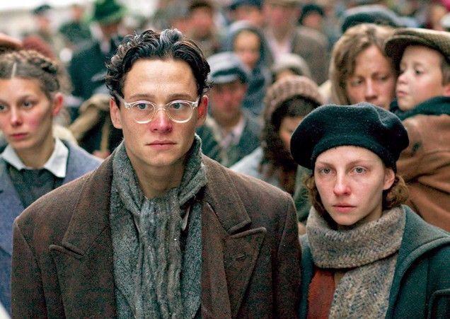 Gefangen im Warschauer Ghetto: Matthias Schweighöfer und Katharina Schüttler