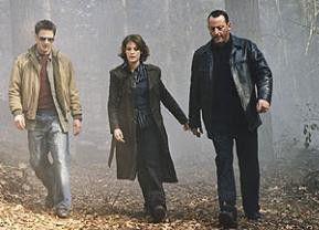 Finster geht die Welt zu Grunde: Benoît Magimel, Camille Natta, Jean Reno (v.l.)