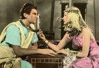 Sihune (Edmund Purdom) hat sich in Nefer (Bella Darvi) verliebt
