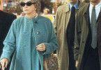 Nicolas Cage (Mitte) ist Shirley MacLaines ständiger Begleiter