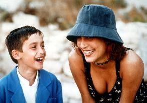 Tsatsiki (Samuel Haus) will seine Mutter mit einem  Polizisten verkuppeln