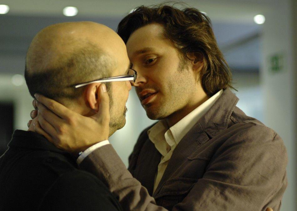 Am Ziel seiner Träume: Javier Cámara (l.) kurz vor dem Kuss