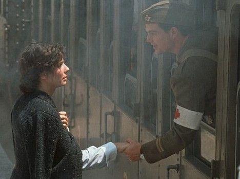 Pass auf dich auf! Agnes (Sandra Bullock) verabschiedet sich von Ernest (Chris O'Donnell)