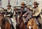 Wir knallen einfach alles nieder!  Colin Farrell (M.) als Jesse James