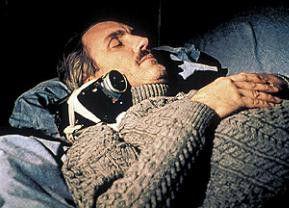 Endlich schlafen! Ralph Carlsson weiss nicht, ober wach ist oder träumt...