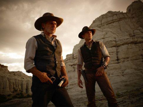 Finstere Zeiten im Wilden Westen: Harrison Ford (l.) und Daniel Craig