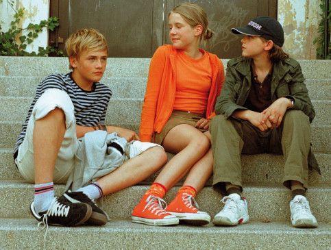 Neue Freunde, erste Liebe! Johann Hillmann, Lea Eisleb und Konrad Baumann (v.r.)
