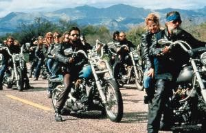 """Ich komm mir vor wie in """"Easy Rider""""! Charlie Sheen (Foto M.) als Undercover-Agent Dan Saxon"""