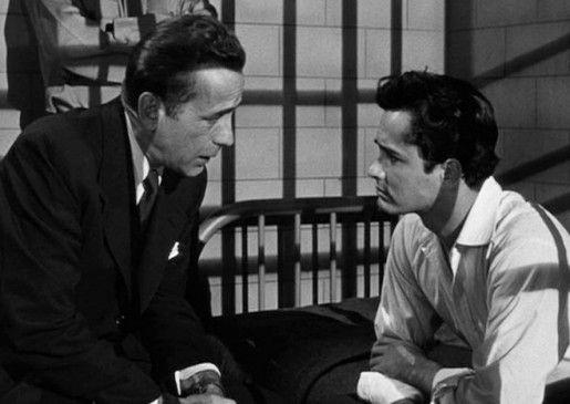 Gib dein Leben nicht auf, Junge! Morton (Humphrey Bogart, l.) beschwört Nick (John Derek)