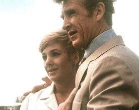 Und jetzt zum Happy-End... Shirley Jones und Lloyd Bridges