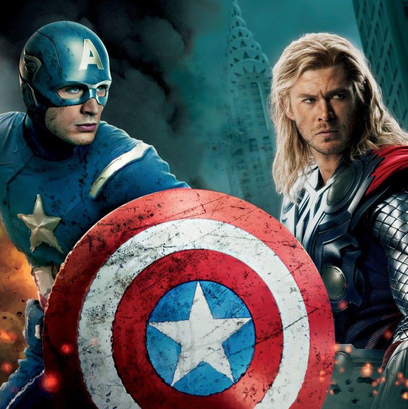 Chris Evans als Captain America und Chris Hemsworth als Thor.