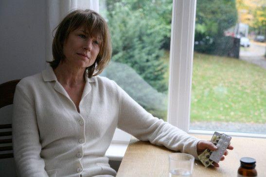 Heike Laurens (Corinna Harfouch) hat nicht mehr lange zu leben