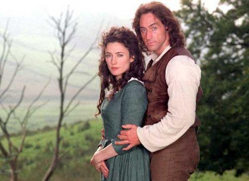 Zwei, die sich lieben: Heathcliff und Cathy (Robert Cavanah, Orla Brady)