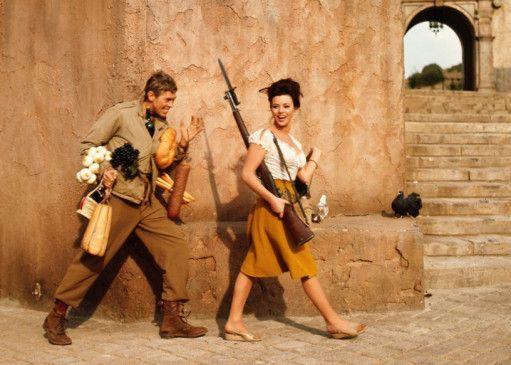 Lieutenant Christian (James Coburn, mit Giovanna Ralli) kann sich keine schönere Eroberung vorstellen
