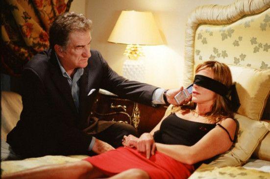 Sprich schon, Schätzchen! Goerges (Eddy Mitchell) hat Louise (Pascale Arbillot) in seiner Gewalt