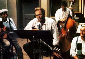Einmal noch der Star sein! Clint Eastwood (M.) als  todgeweihter Countrysänger