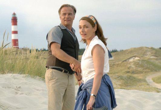 Spaß im Sand: Klaus J. Behrendt und Aglaia Szyszkowitz