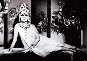 Glänzt in der Rolle der Mata Hari: Jeanne Moreau