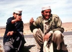 Jamal Torabi (l.)  und Enayatullah wollen unbedingt nach England