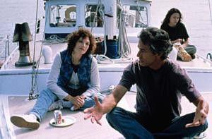Ich weiß nicht, was mit Bobby los ist - Mary  Elizabeth Mastrantonio kann das Verhalten ihres Bruders (David Strathairn) nicht erklären