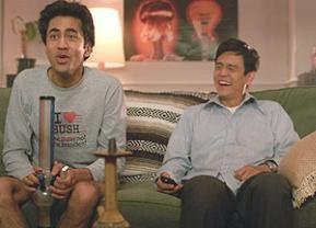 Whoww, das ist ne Dröhnung! Kumar (Kal Penn, l.) staunt, Harold (John Cho) lacht schadenfroh