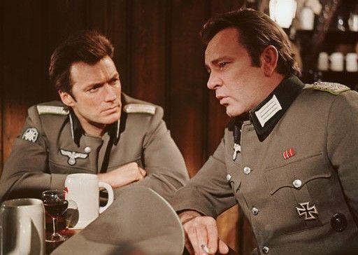 Der Major (Richard Burton, r.) und sein Lieutenant (Clint Eastwood)