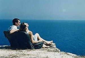 Sonne und Meer, was will man mehr? Veronica D'Agostino genießt den Ausblick
