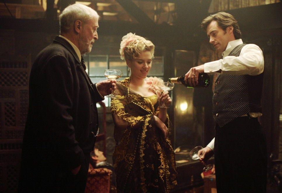 Grund zum Feiern? Michael Caine, Scarlett Johansson und Hugh Jackman (v.l.)