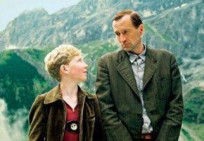 Auf dem Weg nach Bern - Peter Lohmeyer (r.) und sein Sohn Louis Klamroth