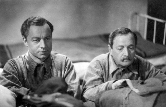 Felix (Heinz Rühmann) und Alois (Hans Moser) suchen die 13 Stühle