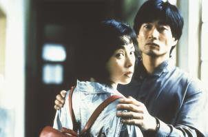 Miho (Miho Nikaidoh) steht zwischen den Stühlen. Auch für den Choreographen Ozu (Toshizo Fujisawa) empfindet sie starke Gefühle