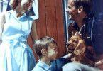 Ferien auf Saltkrokan: Malin, Pelle mit seinem Hund  und Peter Malm  (Louise Edling, Stephen Lindholm,  Torsten Wahlund, v. l.)