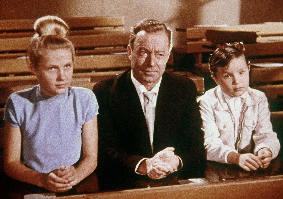 Lutz (Heinz Rühmann) kümmert sich um Nichte und Neffe