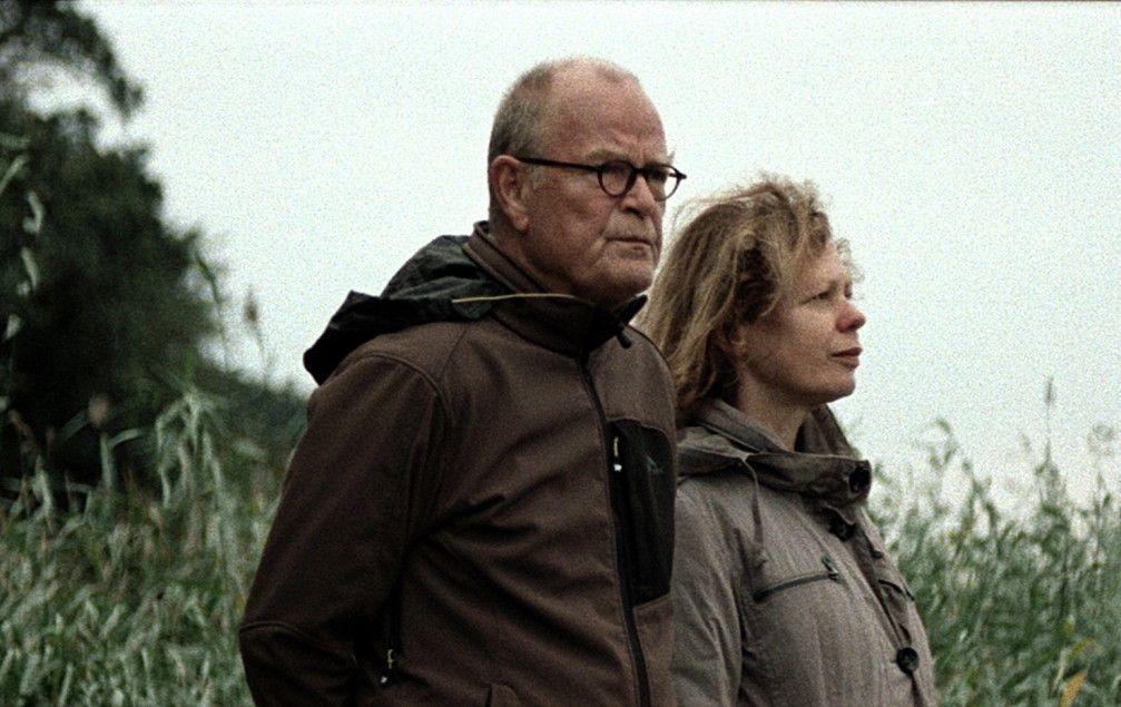 Günther (Dieter Mann) und Hannelore (Renate Krößner) kommen sich näher ...