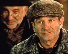 Irgendwie sieht hier alles trostlos aus - Robin  Williams (v.) als Jakob und Armin Mueller-Stahl