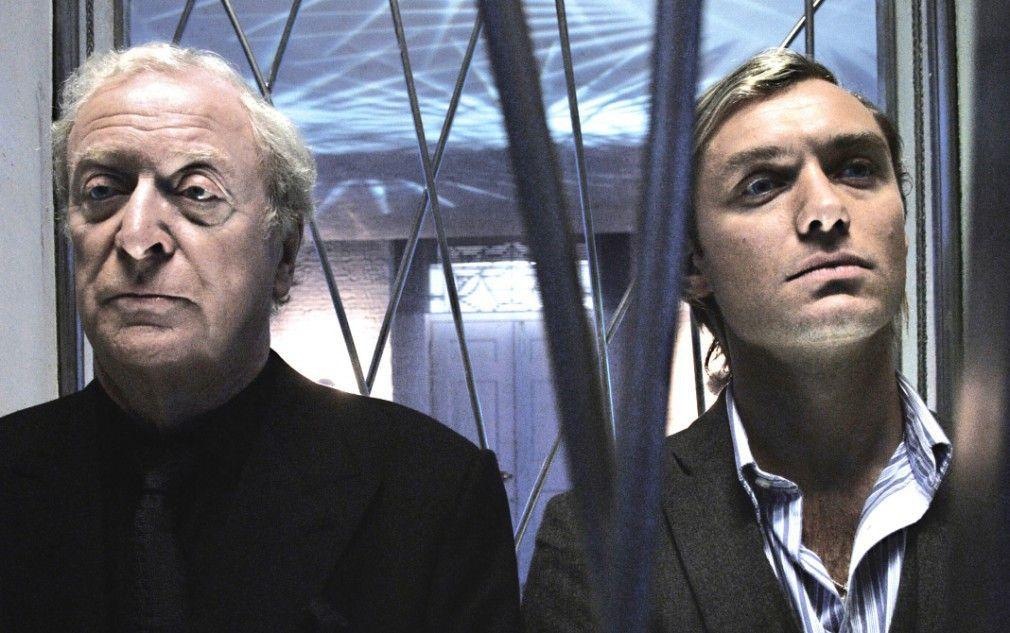 Schweigende Gegner: Michael Caine (l.) und Jude Law