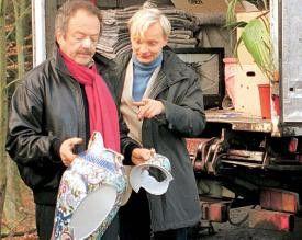 Ja, was haben wir den da?! Uwe Steimle (r.) und  Jürgen Schmidt