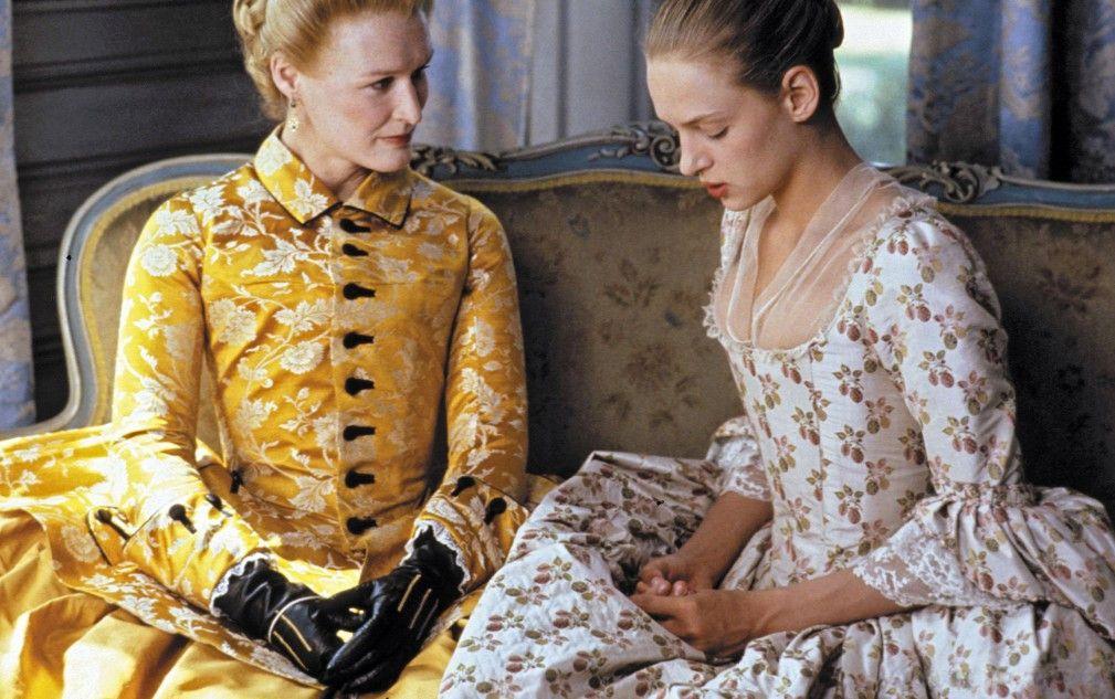 Die Marquise de Merteuil (Glenn Close, l., mit Uma Thurman) plant eine Intrige