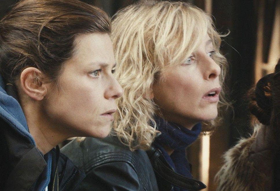 Gespannt: Marina Foïs (l.) und Karin Viard