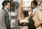 Hast du mit dem Mord zu tun, mein Freund? Sidney  Poitier (r.) verhört Martin Landau
