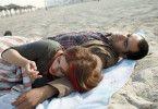 Ahnung eines Neubeginns: Keren (Hili Yalon) und Tarek (Shredy Jabarin) nach einer Nacht im Sand