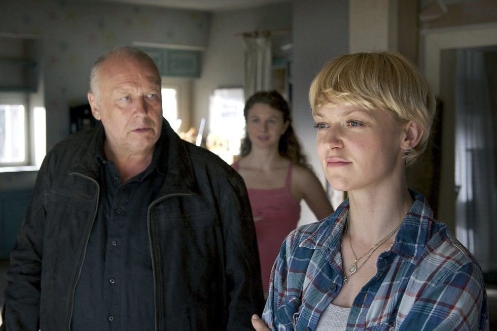 Haben sich nicht viel zu sagen: Sophie (Lisa Wagner, r.) und ihr Vater (Thomas Thieme)